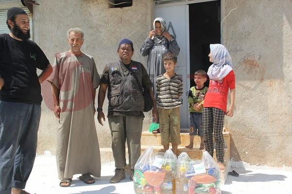 Keceriaan rakyat Suriah ketika menerima bantuan
